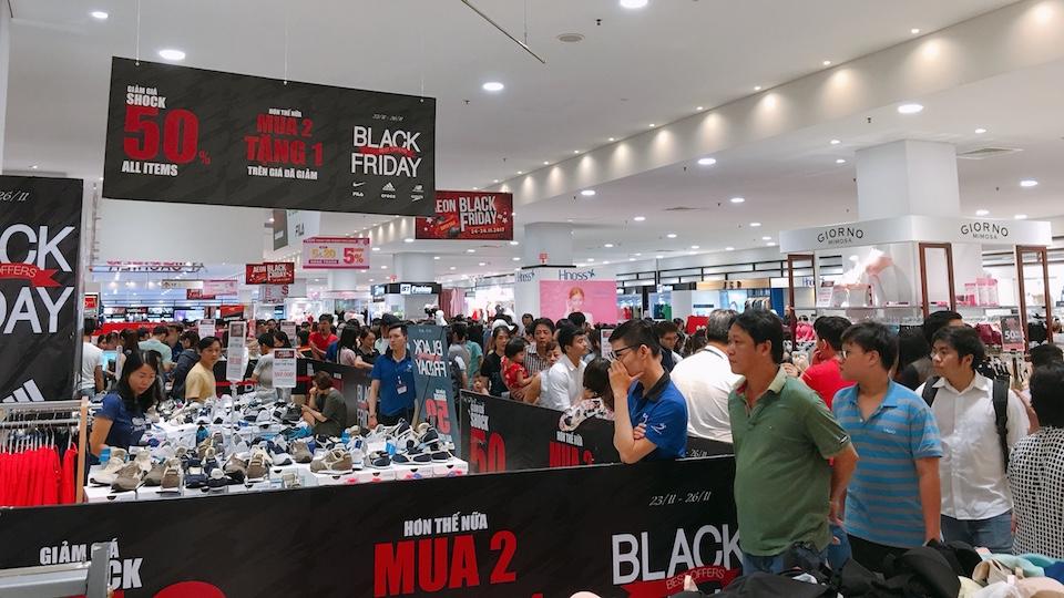 Không khi mua sắm tại AEON vào ngày Black Friday 2017