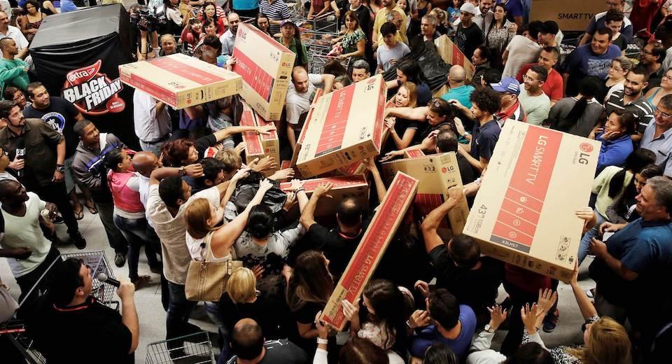 Không khí mua sắm vào ngày Black Friday. Nguồn Internet.