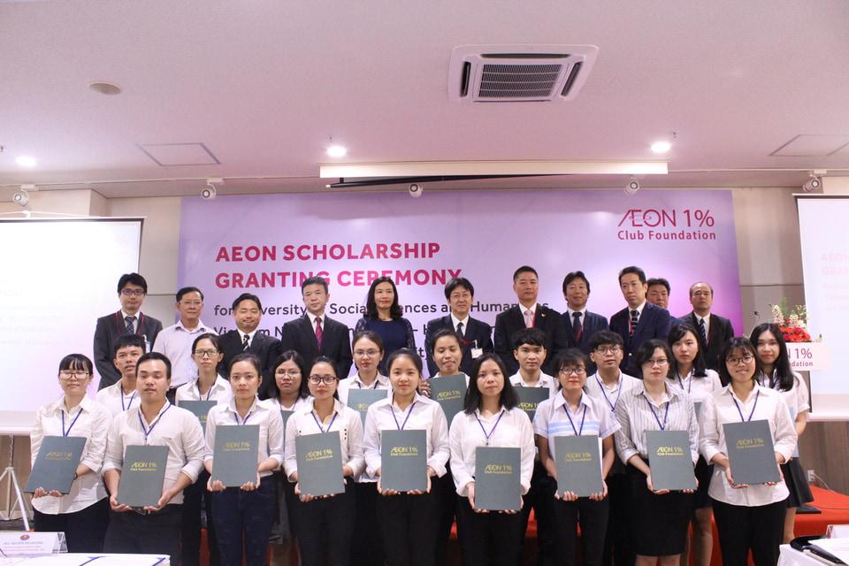 AEON trao tặng 40 suất học bổng cho sinh viên xuất sắc