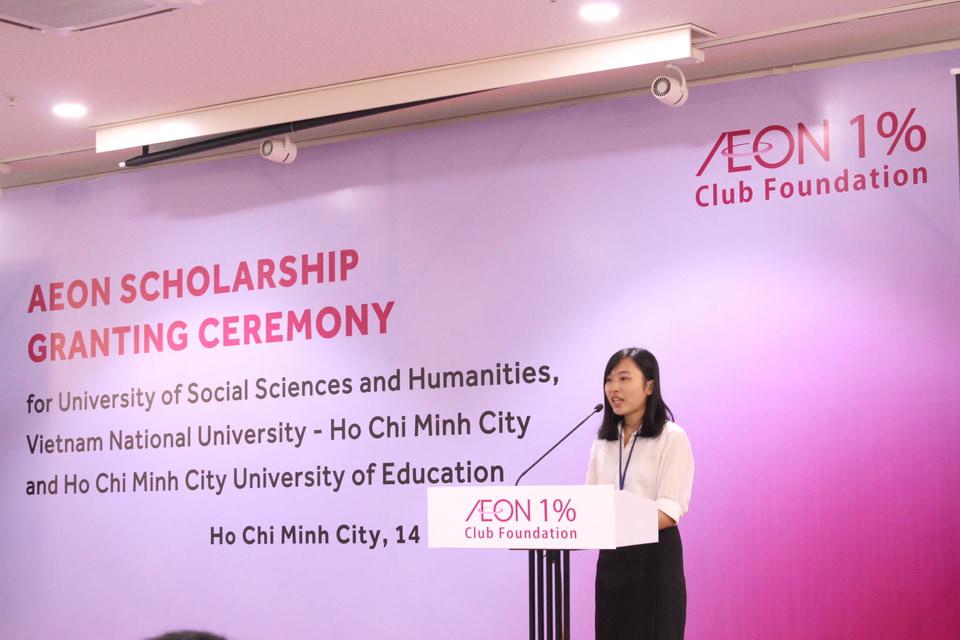 Phát biểu trong buổi lễ trao tặng học bổng AEON cho sinh viên xuất sắc